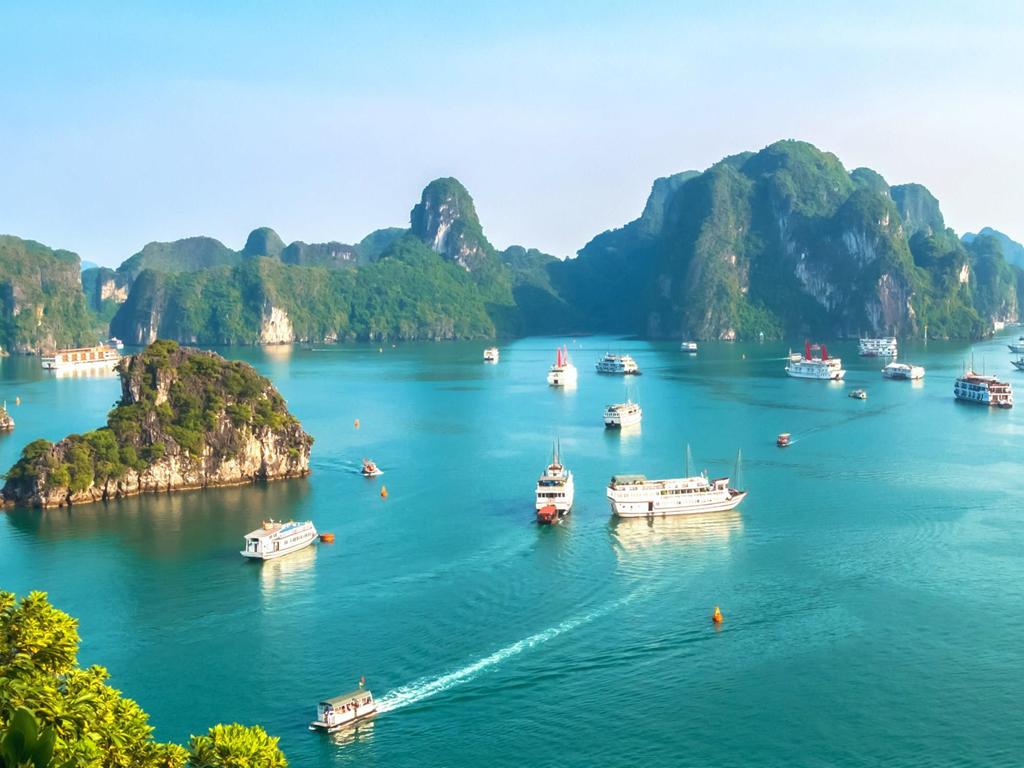 Việt Nam có chuyến du thuyền khám phá đẹp hàng đầu thế giới