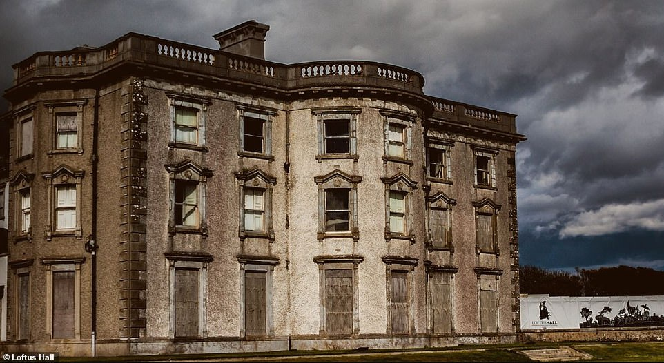 Biệt thự ma ám nổi tiếng bị rao bán với giá gần 3 triệu USD