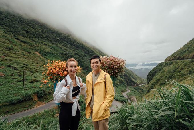 Quang Vinh và Yến Trang 'te tua' vì chinh phục Hà Giang
