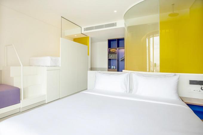 Phòng khách sạn mini tích hợp 'đủ thứ' cho du khách trẻ