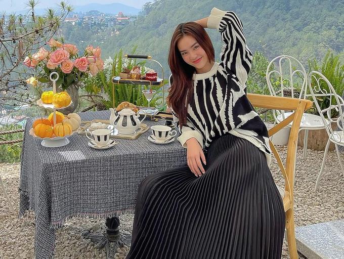 Lan Ngọc lên Đà Lạt uống trà chiều