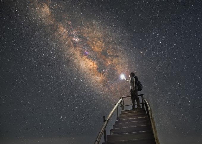 Một mình cắm trại đêm, ngắm dải ngân hà tại Hang Kia