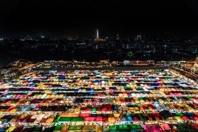 Bác tin đồn chợ đêm xe lửa ở Bangkok đóng cửa