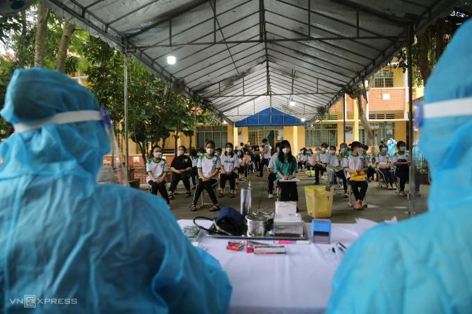 Tiêm vaccine Covid-19 trẻ em toàn TP HCM từ ngày 28/10