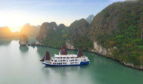 Tour du thuyền Hạ Long 5 sao giá 1,9 triệu đồng